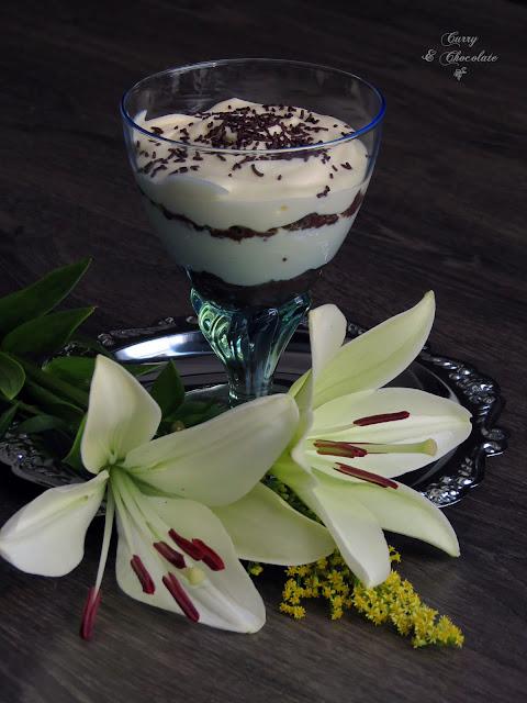 Tiramisú en copas con crema de mascarpone - Tiramisu in glasses