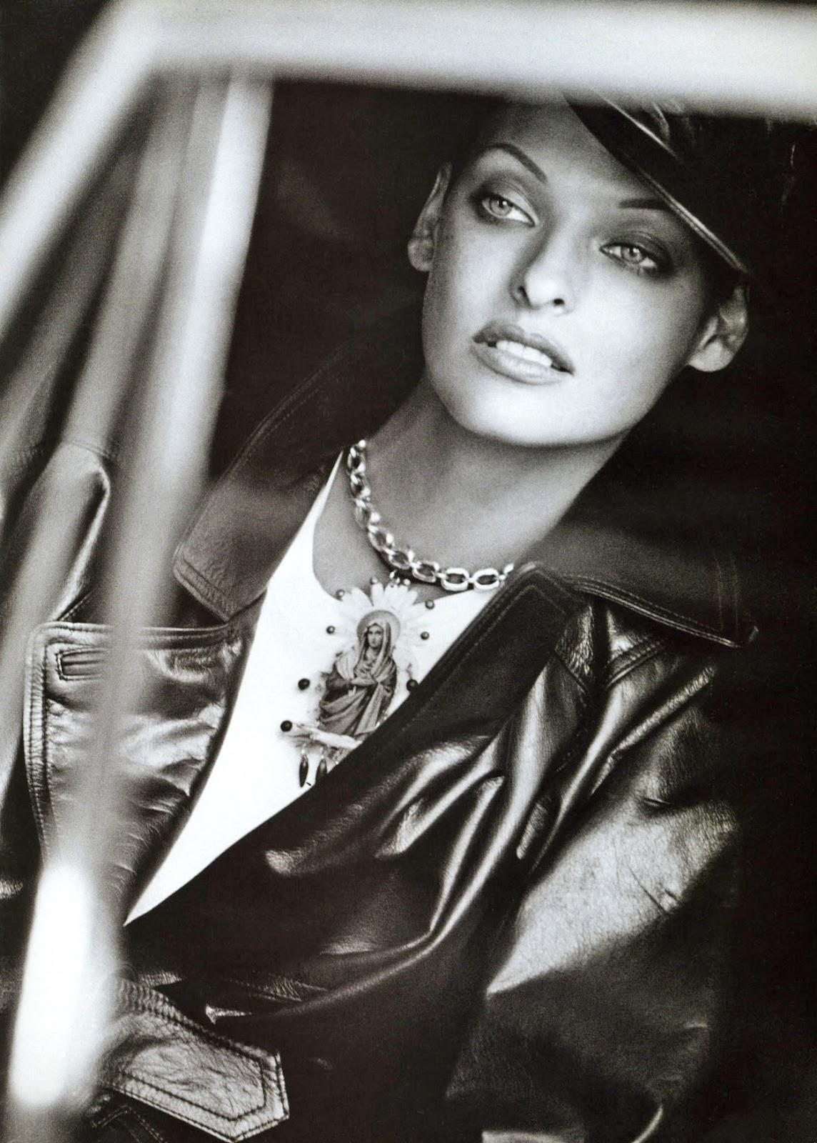 http://1.bp.blogspot.com/-2rAb5eY2tlE/T0-1w_XY8lI/AAAAAAAAC6Y/7i0b-kUg1pE/s1600/Linda+Evangelista+1992+09+Vogue+Uk+Ph+Peter+Lindbergh+11.jpg