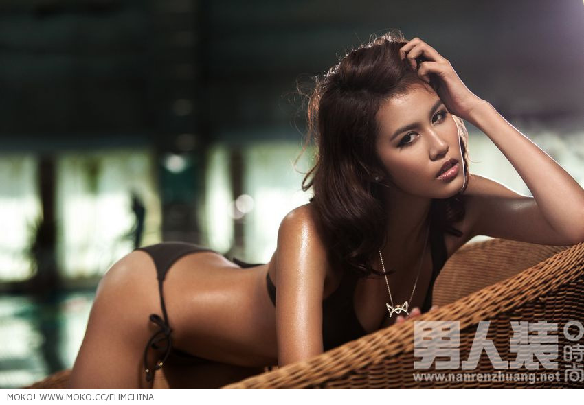 Asian girls take Bikini photo