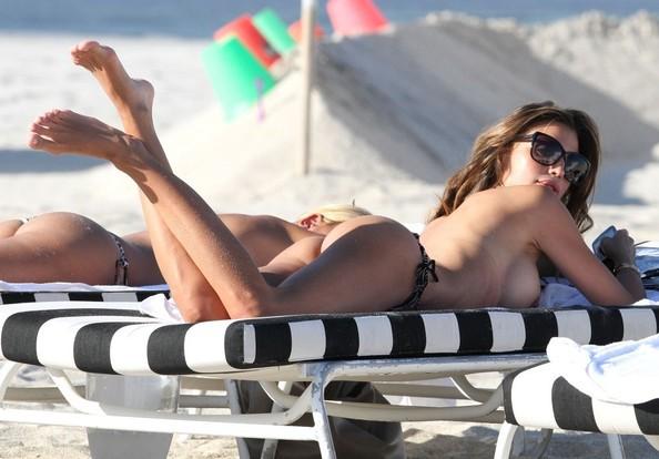 Claudia Galanti Topless