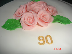 Bolo de aniversário com Rosas