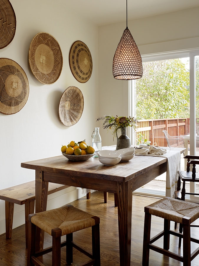 Loving these woven Baskets on the Wall!! It is just simply Beautiful!
