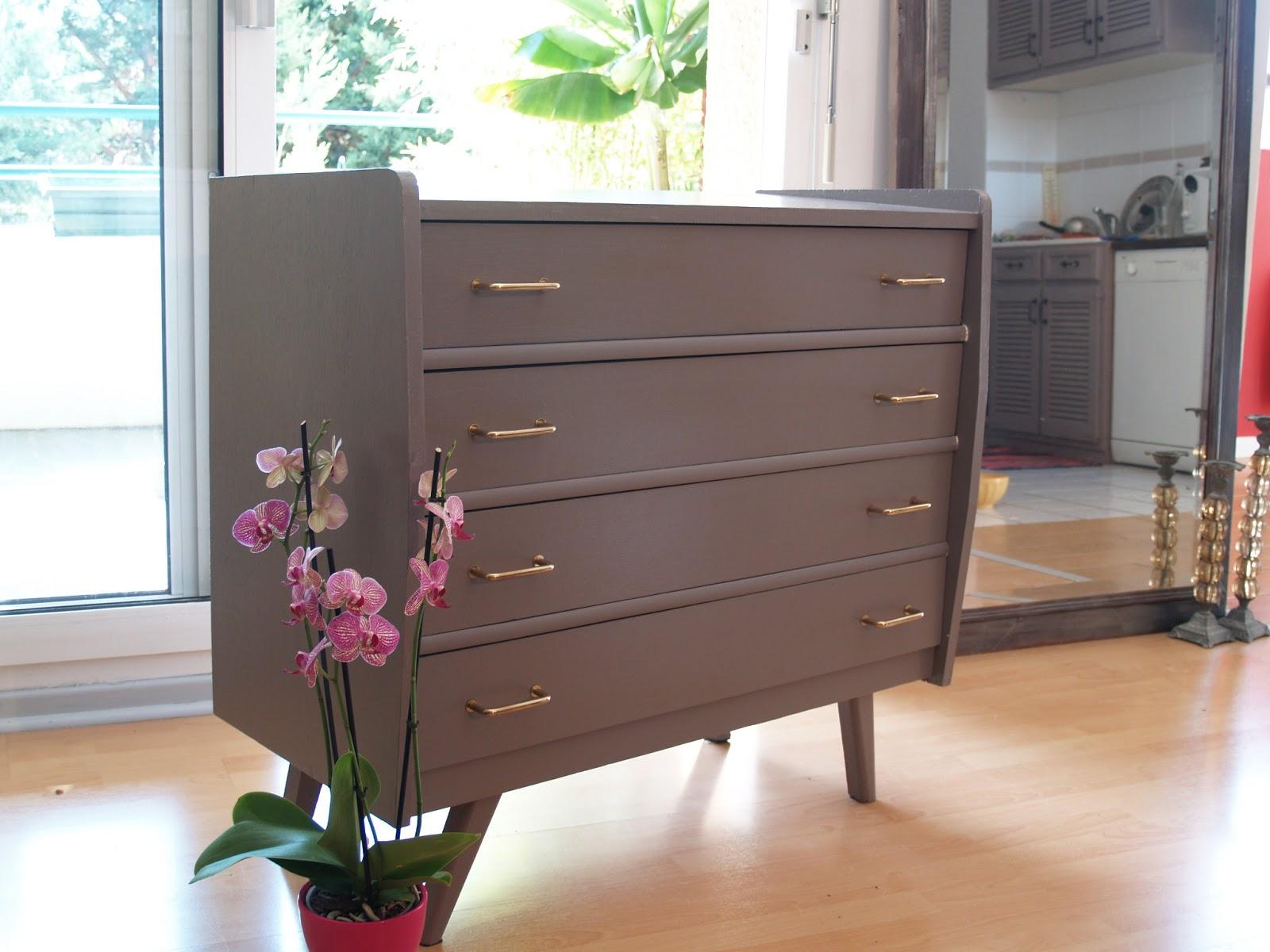 divin 39 id le blog d co des commodes et encore des commodes voici quelques unes des mes cr ations. Black Bedroom Furniture Sets. Home Design Ideas
