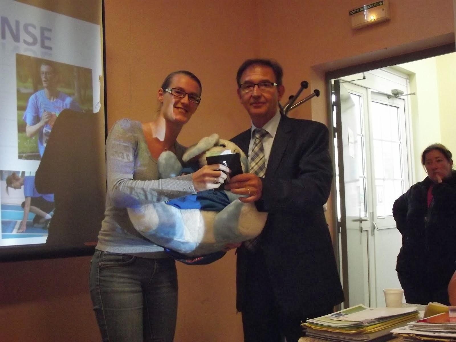 myriam récompensée  par monsieur canu