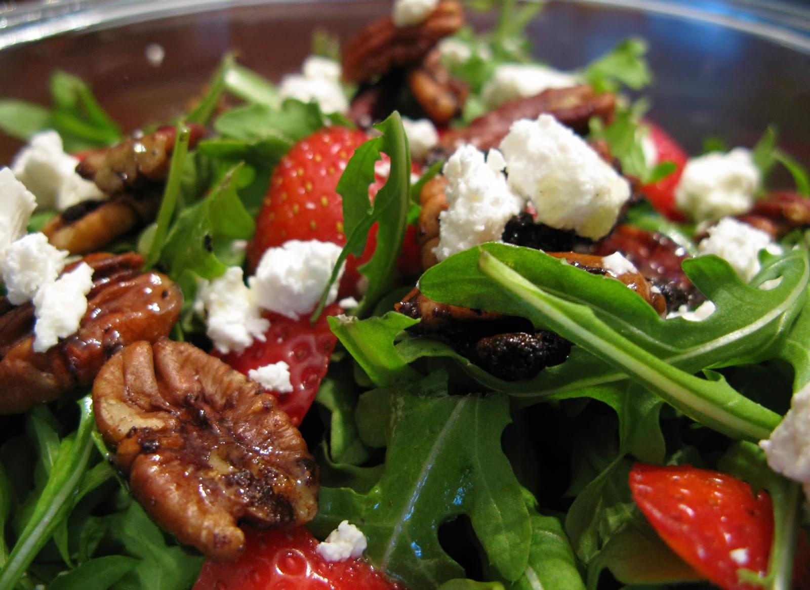 Sladko - slaný salát? Jahody + Rukola