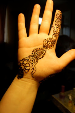 A Richer Gift To Learn: A Few Recent Henna Designs