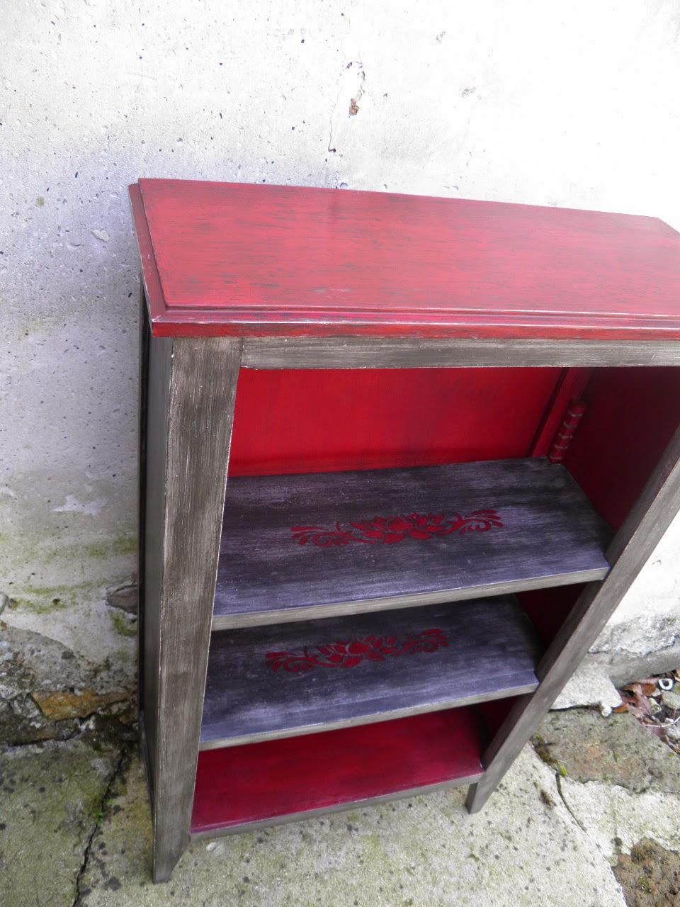 Le temps d 39 une patine petite biblioth que meuble d for Peinture meuble bois patine