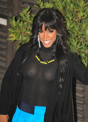 Kelly Rowland Braless See-Through Top Revealing Some Nipples