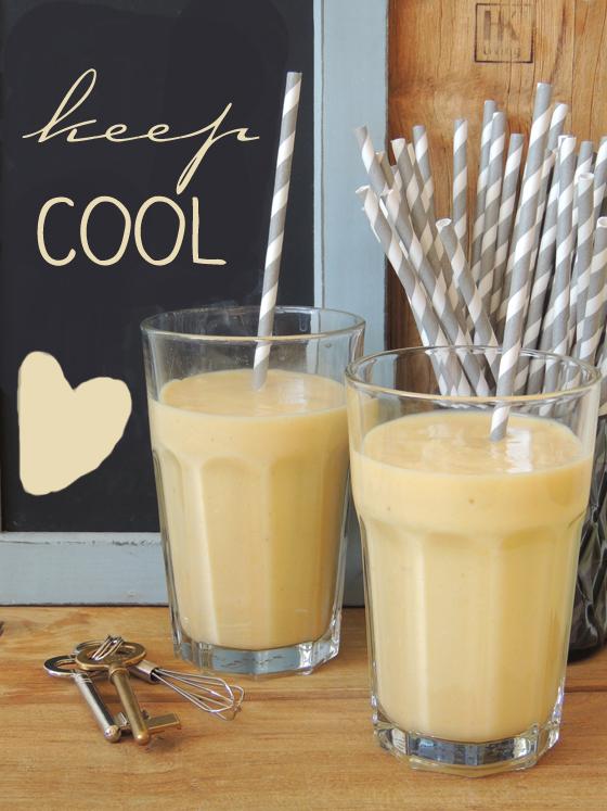 mango banane shake mit kokosmilch was schnell f r zwischendurch. Black Bedroom Furniture Sets. Home Design Ideas