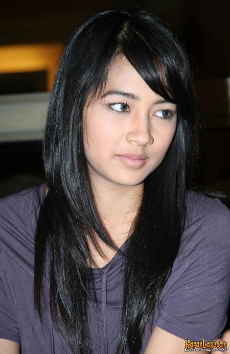Niken Anjani Lahir Di Jakarta  Adalah Model Dan Aktris Indonesia