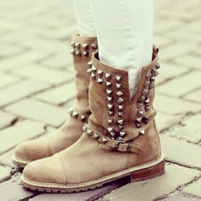 Gorgeous HeartTouching Boots