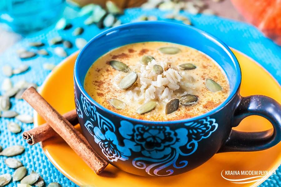 zupa dyniowa, zupa z dyni, dania z dynią, dania z dyni, dynia, zupa ryżowa, zupa z ryżem, zupa słodka, zupa na mleku, zupa mleczna, zupa deserowa, dynia na słodko, ryż na słodko, kraina miodem płynąca