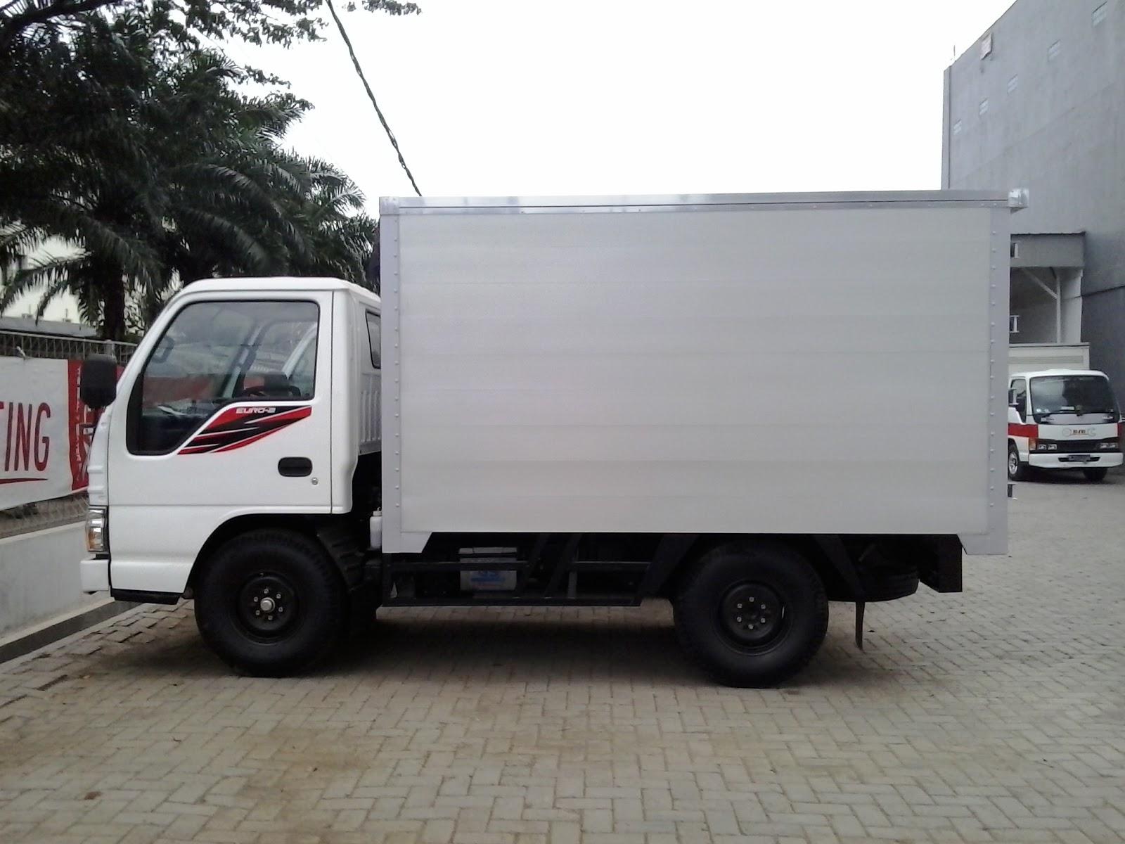 Isuzu Elf NKR 55 LWB box aluminium