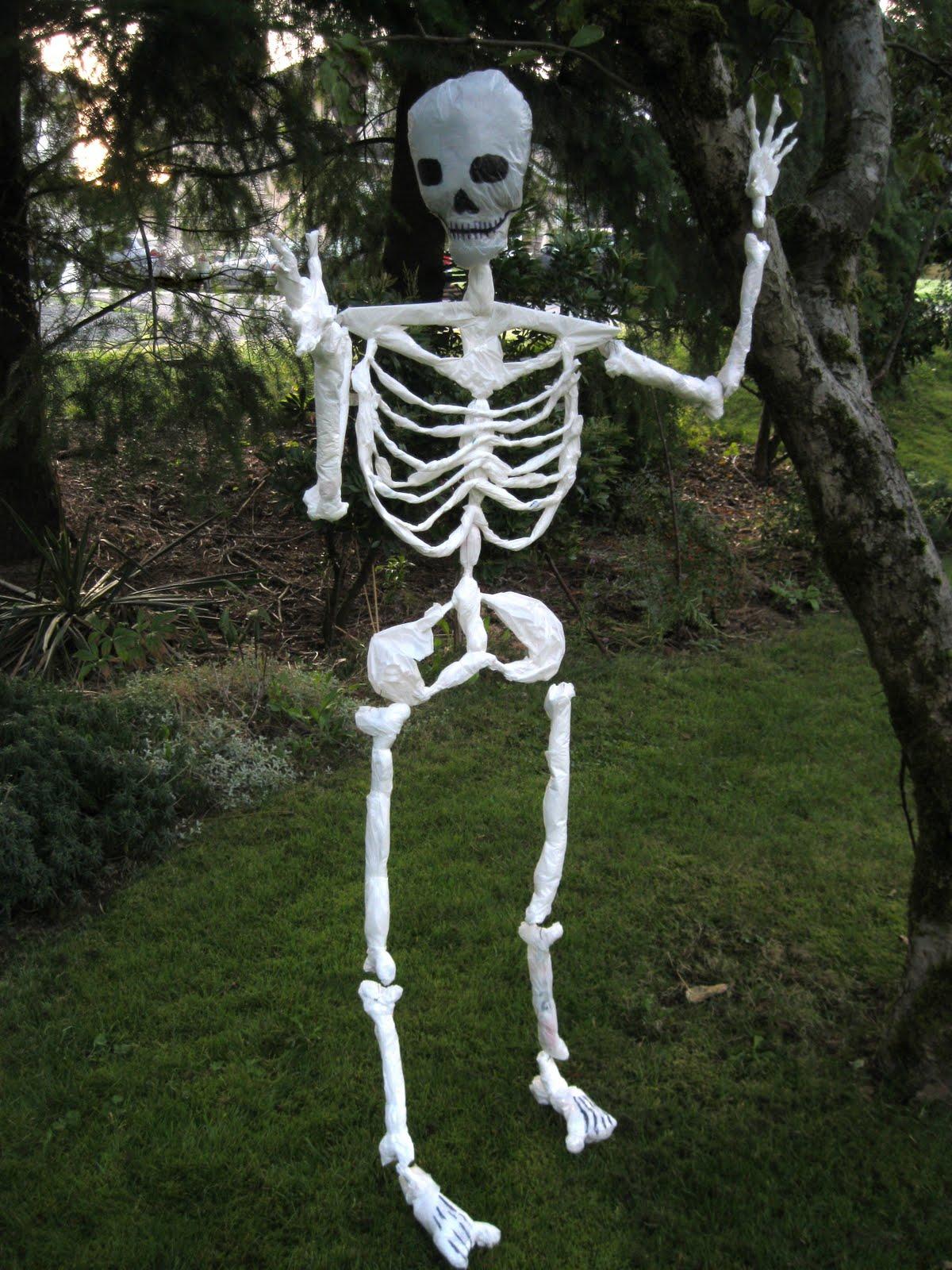 Curious tangles homemade halloween for Bag of bones halloween decoration