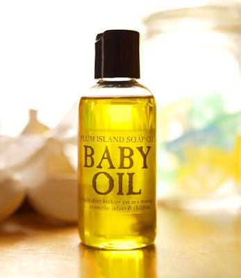chocolate break: 13 Manfaat Tak Terduga Dari Baby Oil
