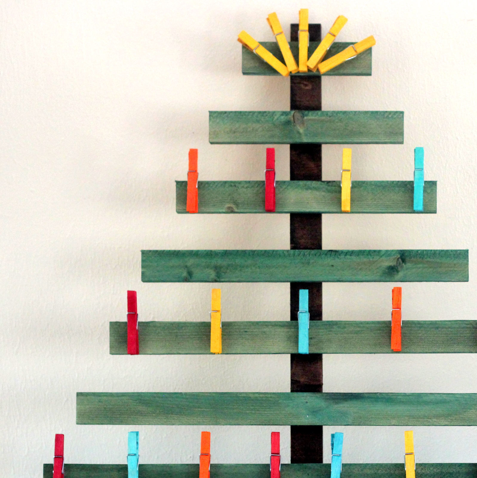 dyed wooden clothespins (and a christmas card display!)