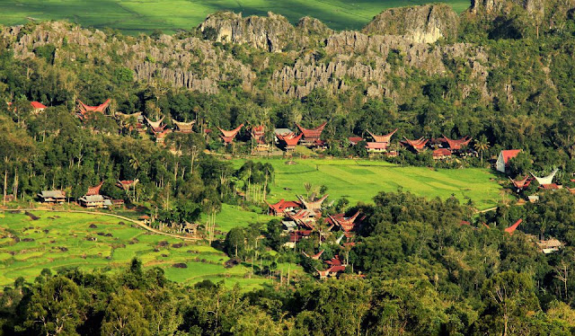 Lovely December, Wisata Budaya Ala Toraja