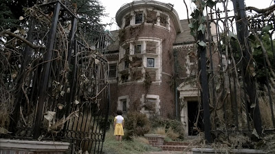 La mansion wirthorld(encantada)[Annastasia] American+Horror+Story+1x01+-+Pilot+(Espa%C3%B1ol+(Espa%C3%B1a)).mkv_snapshot_00.13_%5B2012.01.17_13.11.36%5D