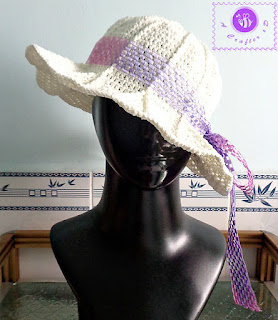 http://www.ravelry.com/patterns/library/simple-sun-hat-2