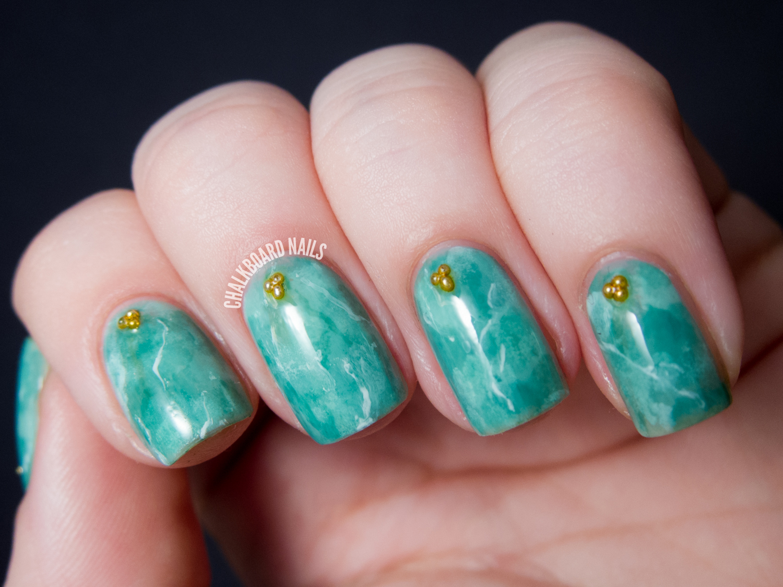 31DC2013 Day 04: Green Jade Nails | Chalkboard Nails | Nail Art Blog