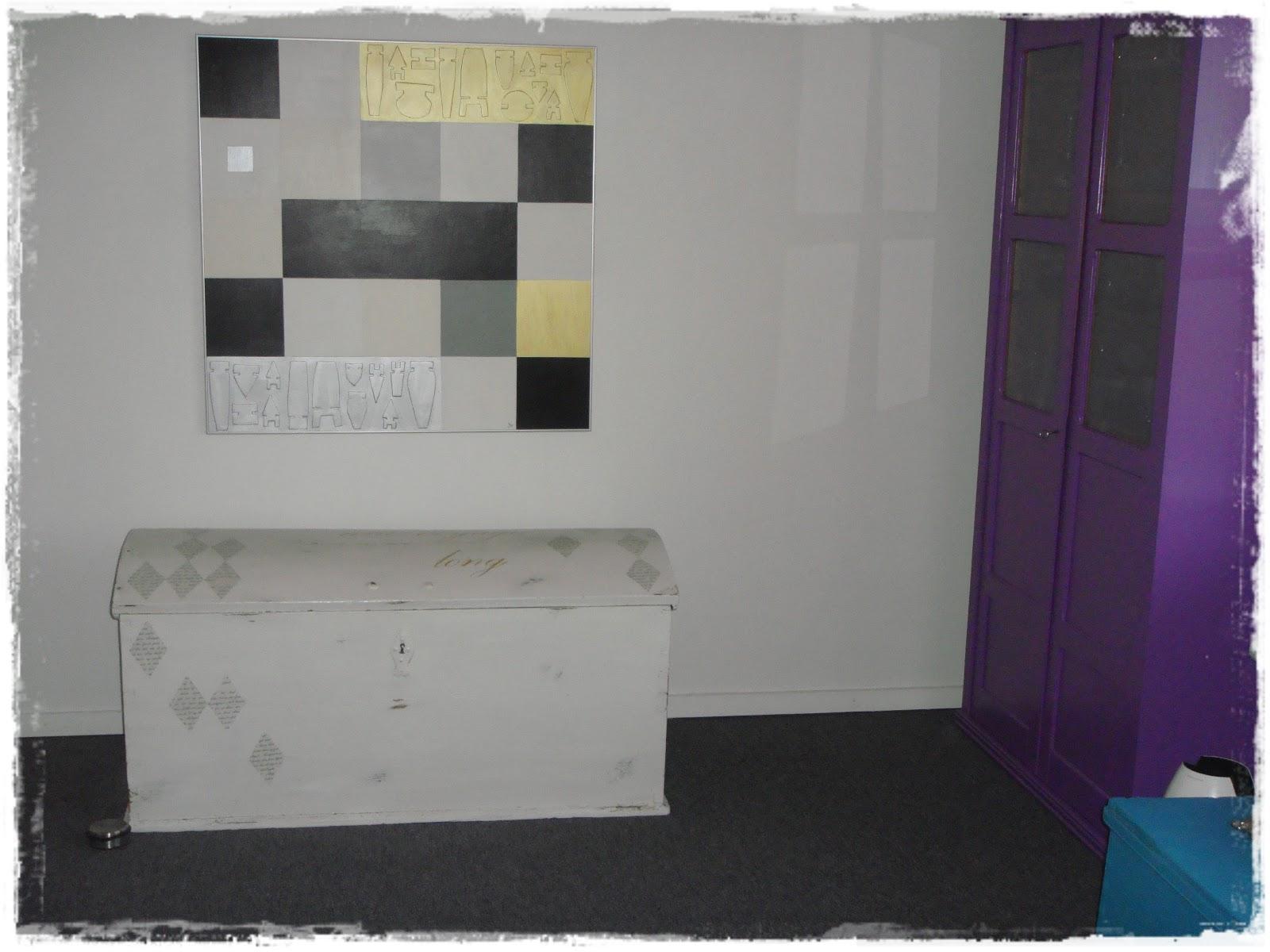 sysletrolden: Så er stuen møbleret igen.