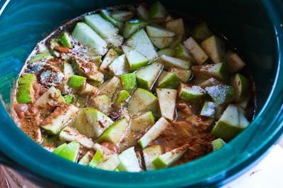 CrockPot Recipe for Make-Ahead Apple Pie Oatmeal found on KalynsKitchen.com