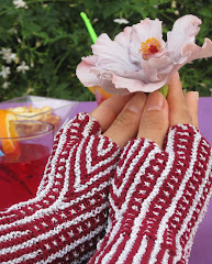 Spritz - Fingerless Mittens Pattern