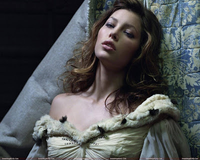 jessica_biel_lingerie_wallpaper_sweetangelonly.com