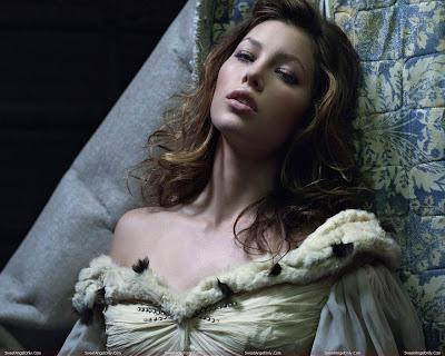 jessica_biel_lingerie_wallpaper_sweetangelonly.com