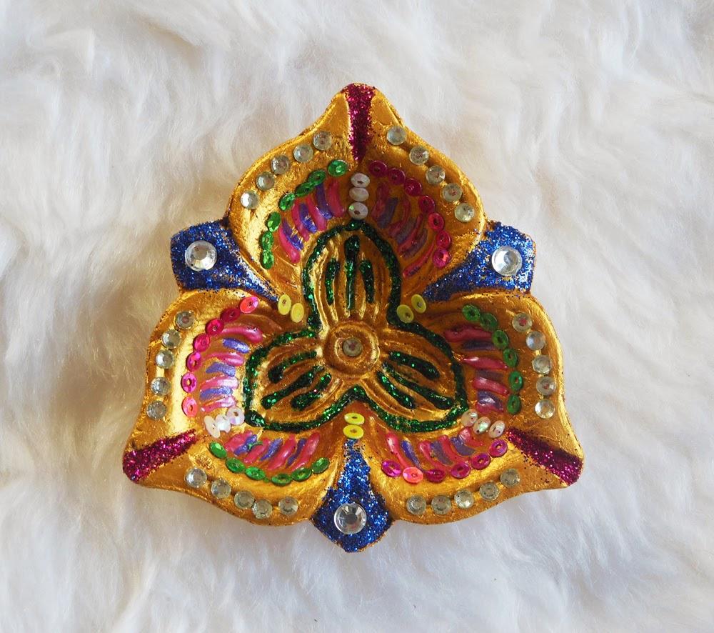 My Creative Corner: Diwali Diya for Diya Decoration Using Glitters  181pct