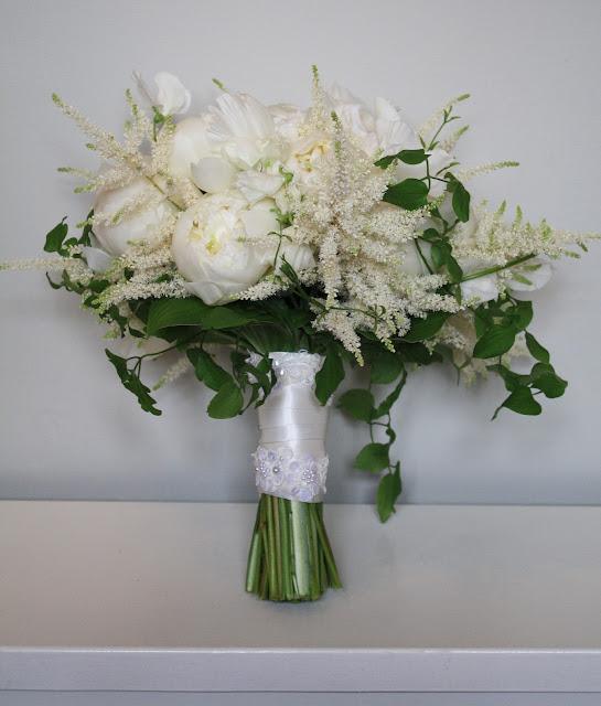 yaddo gardens whimsical woodland wedding bouquet
