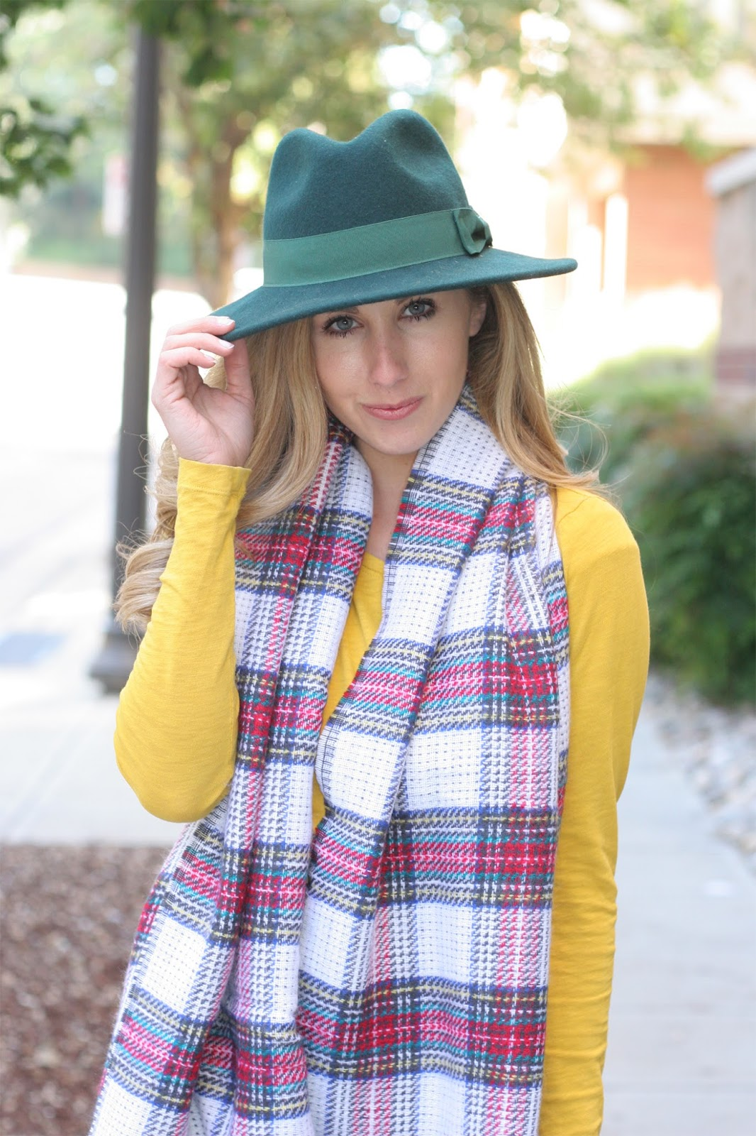 Layering_a_plaid_blanket_scarf