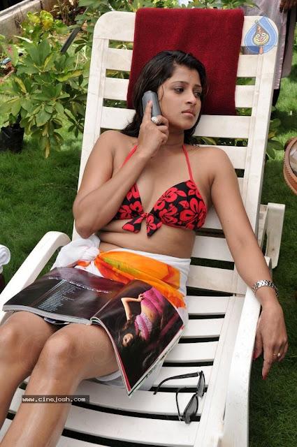 Nadeesha Hemamali Wearing Bikini