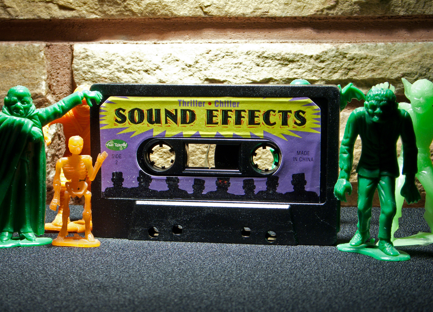 sound effects The guide to sound effects tips and ideas for making your own sound effects epic sound / the guide to sound effects welcome to the guide to sound effects this page contains a number of ideas on how to create various sound effects, and we hope you find it inspiring thanks to everyone who submitted their tips and techniques – and if you.
