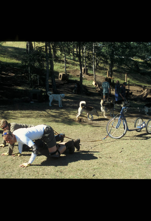 Йохан со своим другом на Ольхоне запряглись в скутер
