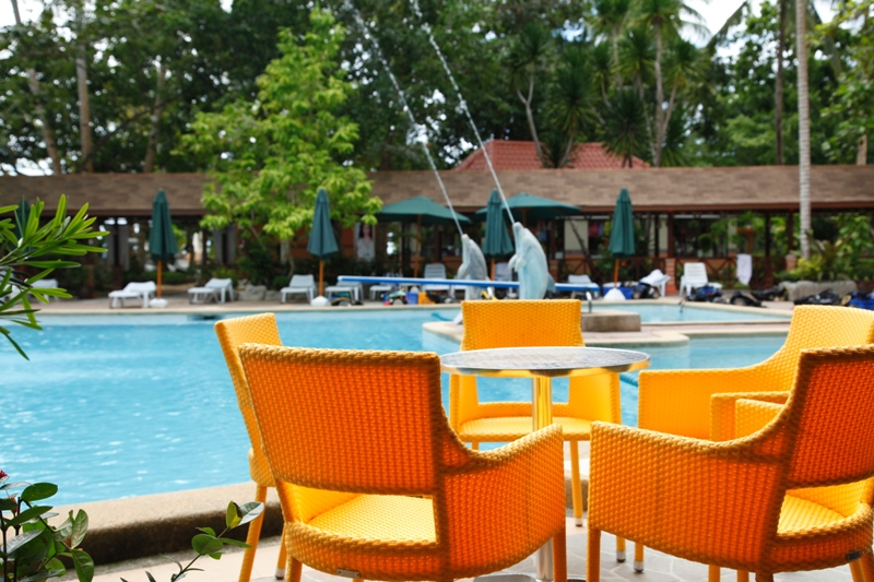 how to go to dakak beach resort from manila