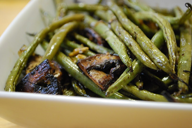 Simply Mangerchine: Balsamic Roasted Green Beans and Mushrooms