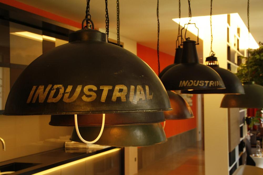 En ateneo high tech estilo industrial for Estilo industrial vintage
