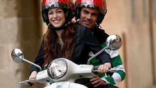 Di Kolombia Cowok Tidak Boleh Dibonceng Saat Naik Sepeda Motor [ www.BlogApaAja.com ]