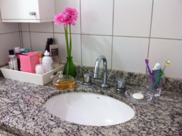 Hora de Arrumar Arrumando Pias de banheiro -> Armarios Banheiro Jae