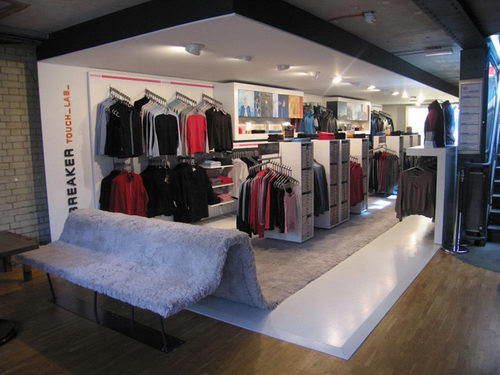 Icebreaker Touch Lab Fashion Store Design