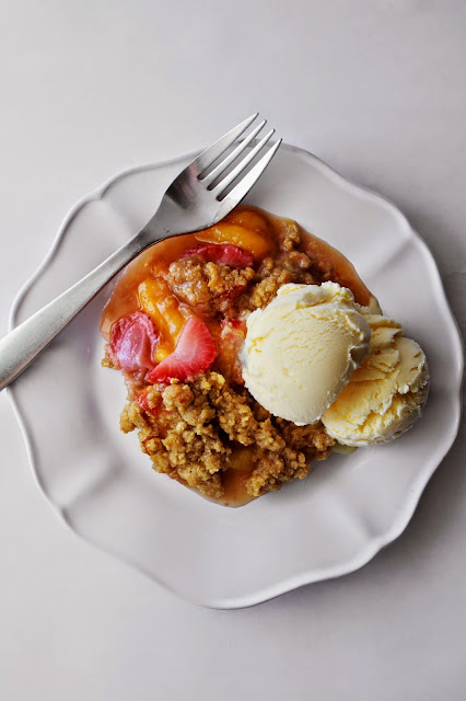 Nectarine and Strawberry Crisp