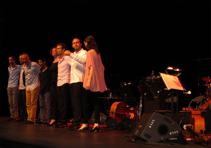 http://www.bo-az.com/2013/11/avishai-cohen-strings-lalbum.html#more