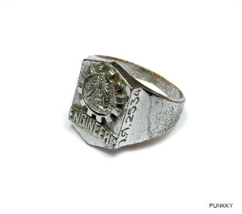 แหวนวิศวะจุฬาฯ รุ่น 75 เข้าศึกษาเมื่อปี พ.ศ. 2534