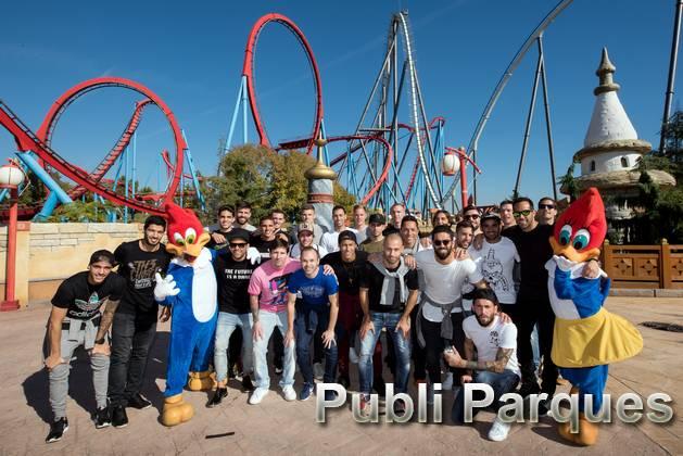 Jugadores F.C. Barcelona en PortAventura