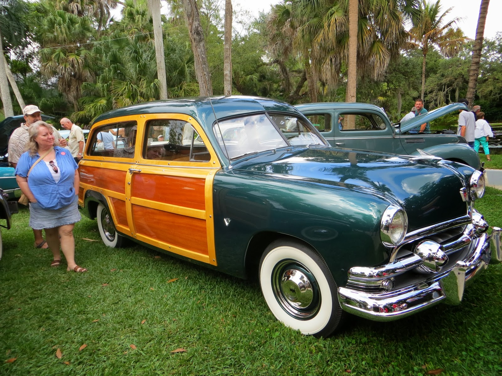 Toy Hauling The USA McKey Botanical Garden Vero Beach FL - Vero beach car show