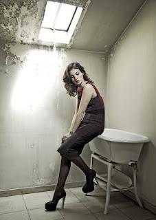 Maria Valverde Hairstyle 07