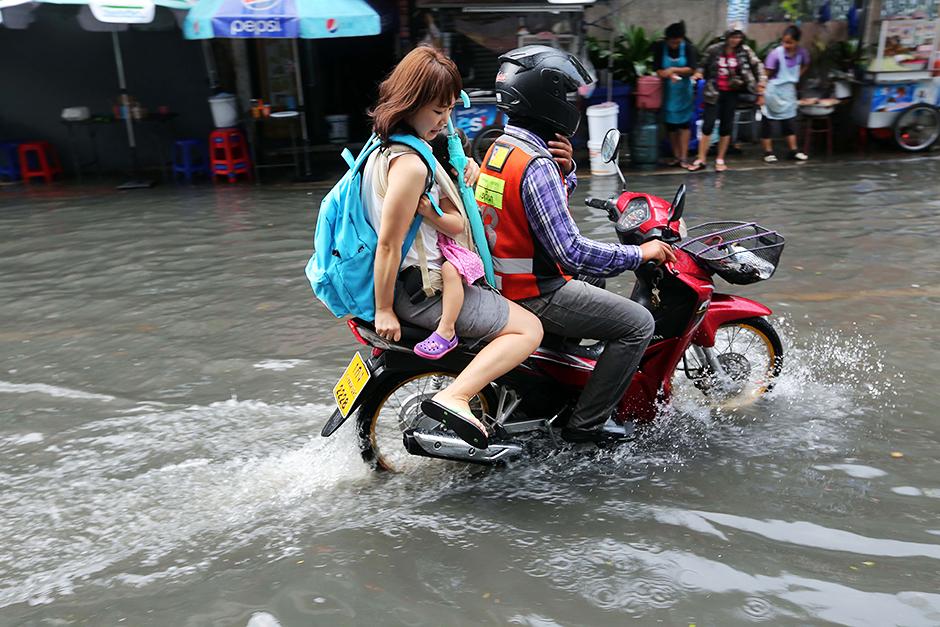 deštná sezóna thajsko, deštná sezóna, sezóny thajsko, deště thajsko, záplavy thajsko, fashion house, fashion house cz, fashion house blog, thajsko, dovolená v thajsku, thajsko na vlastní pěst, thajsko bez cestovky, rady do thajska, blog o thajsku, blog o životě v thajsku, blog o cestování, kristýna vacková, chatuchak park, co navštívit v Bangkoku, dovolená v Bangkoku, ubytování v bangkoku,Thajské království, Thajsko, dovolená v Thajsku, Thajsko na vlastní pěst, thajsko bez cestovky, letenky do thajska, kam v Bangkoku, ubytování v Bangkoku, nákupy v bangkoku, modelka, modelka na střeše, mrakodrap, fashionhouse, fashion house, fashion house blog, šaty, dlouhé šaty, džínsové šaty, džínové šaty, jeansové šaty, letní šaty, výprodej letních šatů, levné šaty, češka žijící v zahraničí, češka žijící v Thajsku, Kristýna Vacková, nejlepší blog, český blog, zajímavý český blog, blog o cestování, blog o thajsku, lifestyle český blog, módní blog, fashion český blog, rooftop, kam v thajsku, průvodce po thajsku, plavky, levné plavky, bandeau plavky, bikiny, výprodej plavek,Thajsko, thajská pláž, thajská vlajka, blog o cestování, blog o cestování po thajsku, cestování po thajsku, dovolená v thajsku, pattaya, pattaya dovolená, cestování bez cestovky, thajsko bez cestovky, thajsko na vlastní pěst, pláž v thajsku, pláž pattaya, pláž v pattaye,Thajsko, pláž v thajsku, dovolená v thajsku, dovolená phuket, maya beach, pláž z filmu Pláž, cestování na vlastní pěst, cestování bez cestovky, thajsko bez cestovky, ráj na zemi, pláž, thajská pláž, kam na dovolenou, maya beach, pláž maya beach, pláž phuket,dámské oblečení, dámské stylové oblečení, značkové oblečení, oblečení ze zahraničí, zahraniční eshop, eshop s poštovným zdarma, letní šaty, eshop s dámkým oblečením, eshop výprodej, dlouhé šaty, sexy mini šaty, černé šaty, zlaté doplňky, asijská móda, thajsko, dovolená v thajsku, dovolená v dubaji, thajsko na vlastní pěst, thajsko bez cestovky, dovolená v thajsku, dovolená v dubaji na vlastní p