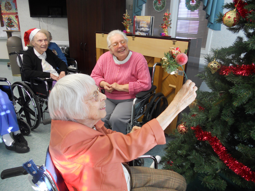 Decorating Ideas > The Saratogian Blogs Saratoga County Neighbors  ~ 145156_Christmas Decorating Ideas For Nursing Homes
