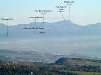 El Puigsacalm i la Serra de Curull des del Camí de Sant Julià Sassorba